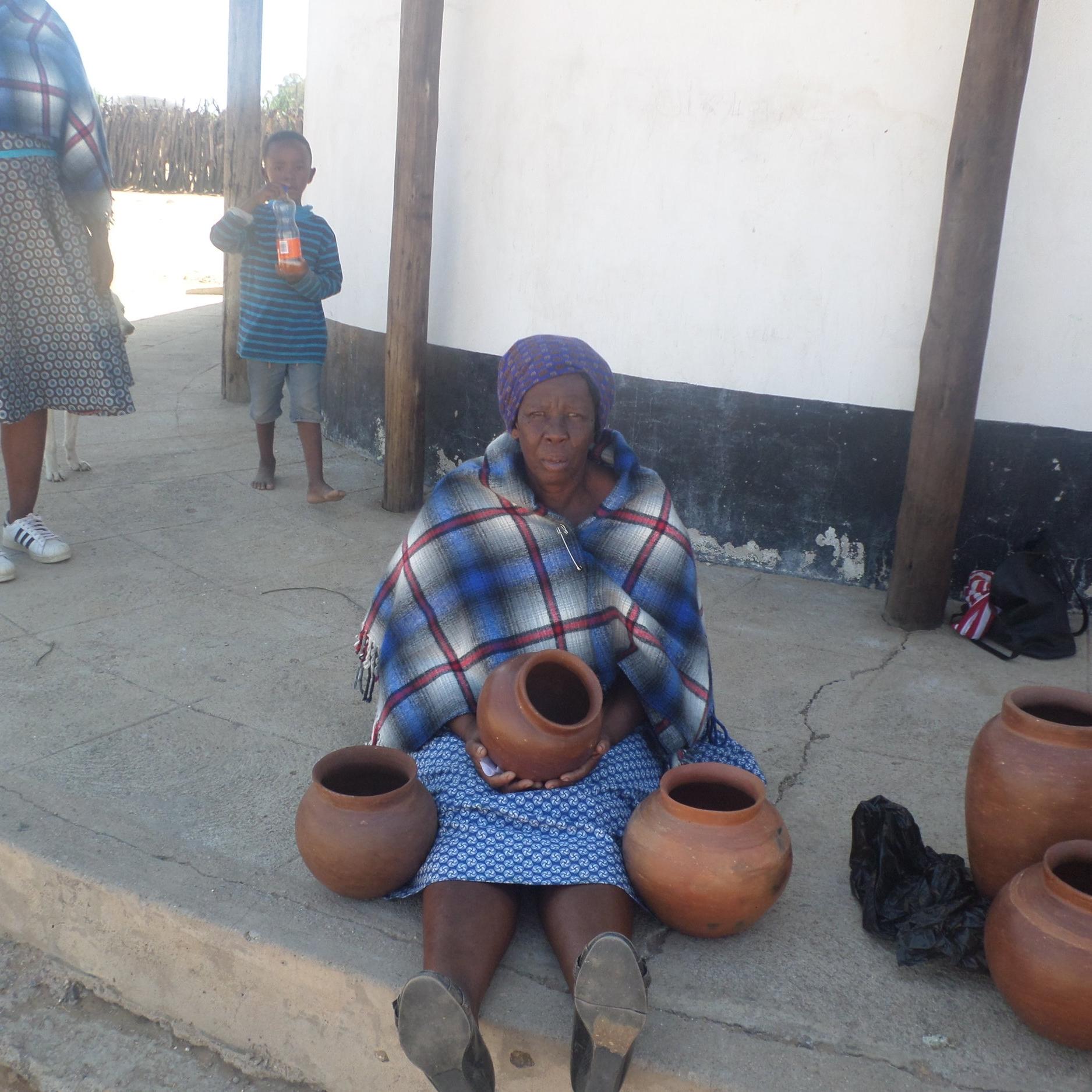 Nteko Radimqa - Service Description∙ Makes PotteryOpening Hours:Monday - Friday: Saturday: Sunday:Directions:Mohwele WardContact:📞 (+267) 73 41 57 94✎