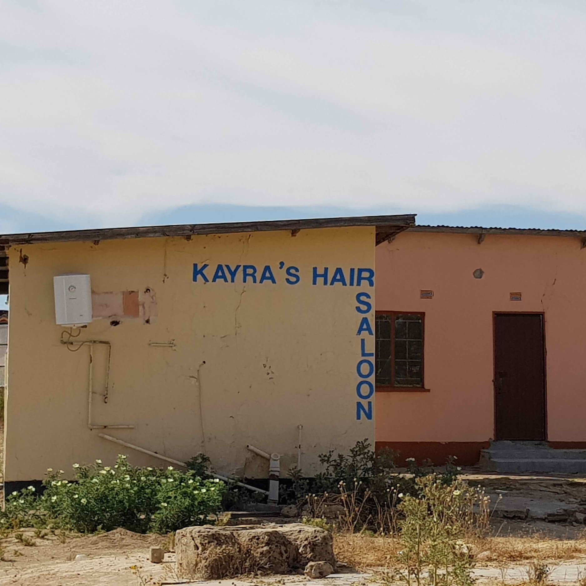 Kayra´s Hair Saloon - Service Description∙ Opening Hours:Monday - Friday: Saturday: Sunday:Directions:WardContact:📞 (+267) 7x xx xx xx✎ @