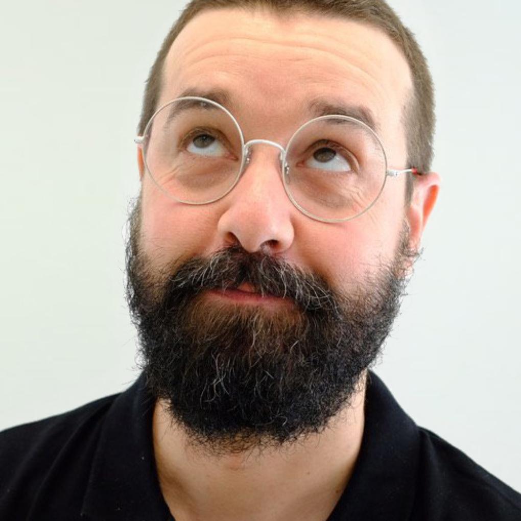 Paulo Victorino  UX DESIGNER