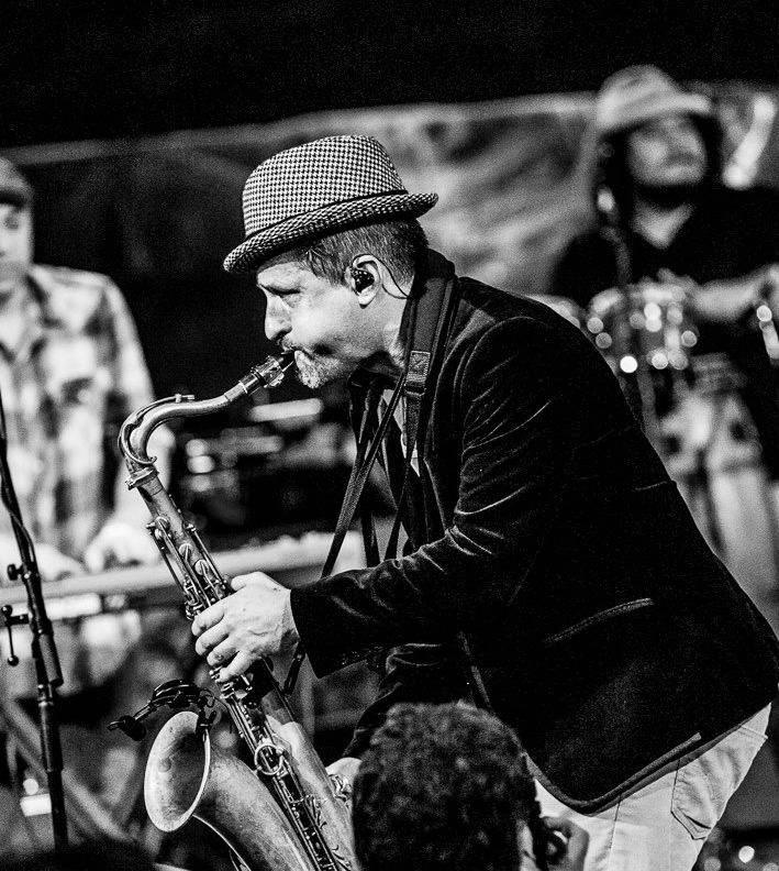 01_David-Saxophone.jpg
