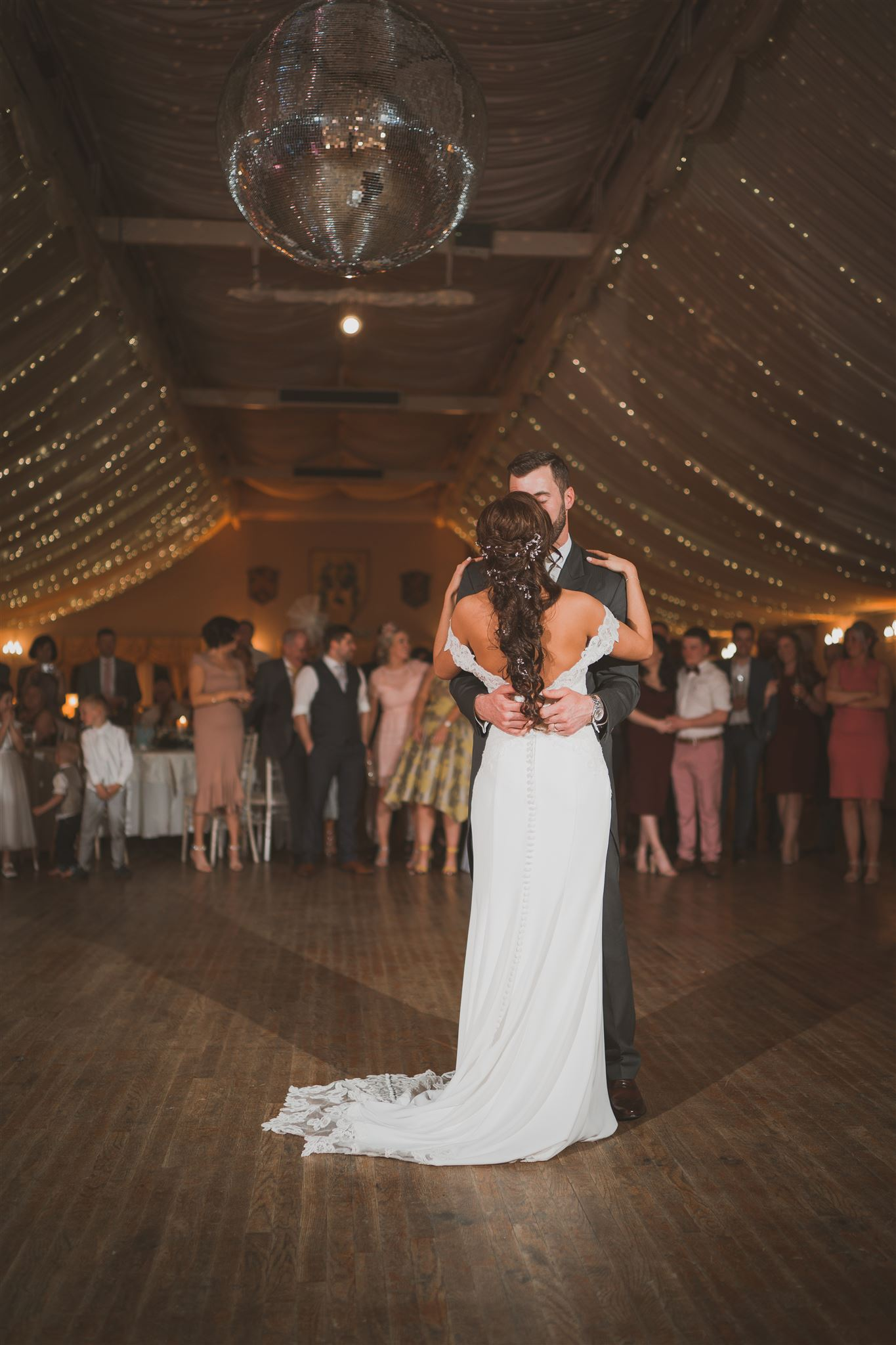 first dance bride and groom.jpg
