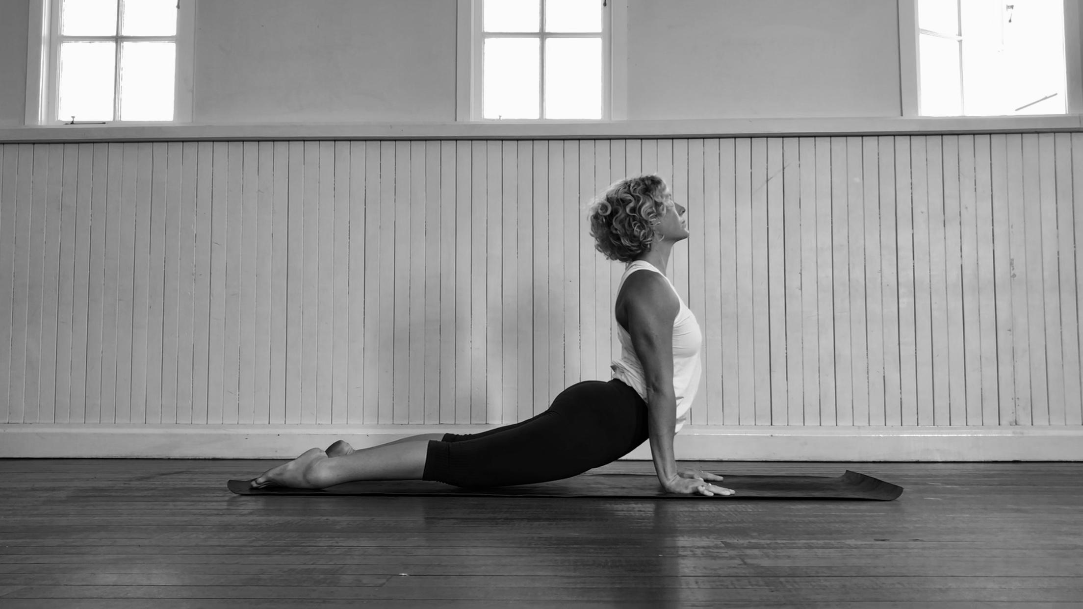 bli-bli-yoga-sasha-hutchinson