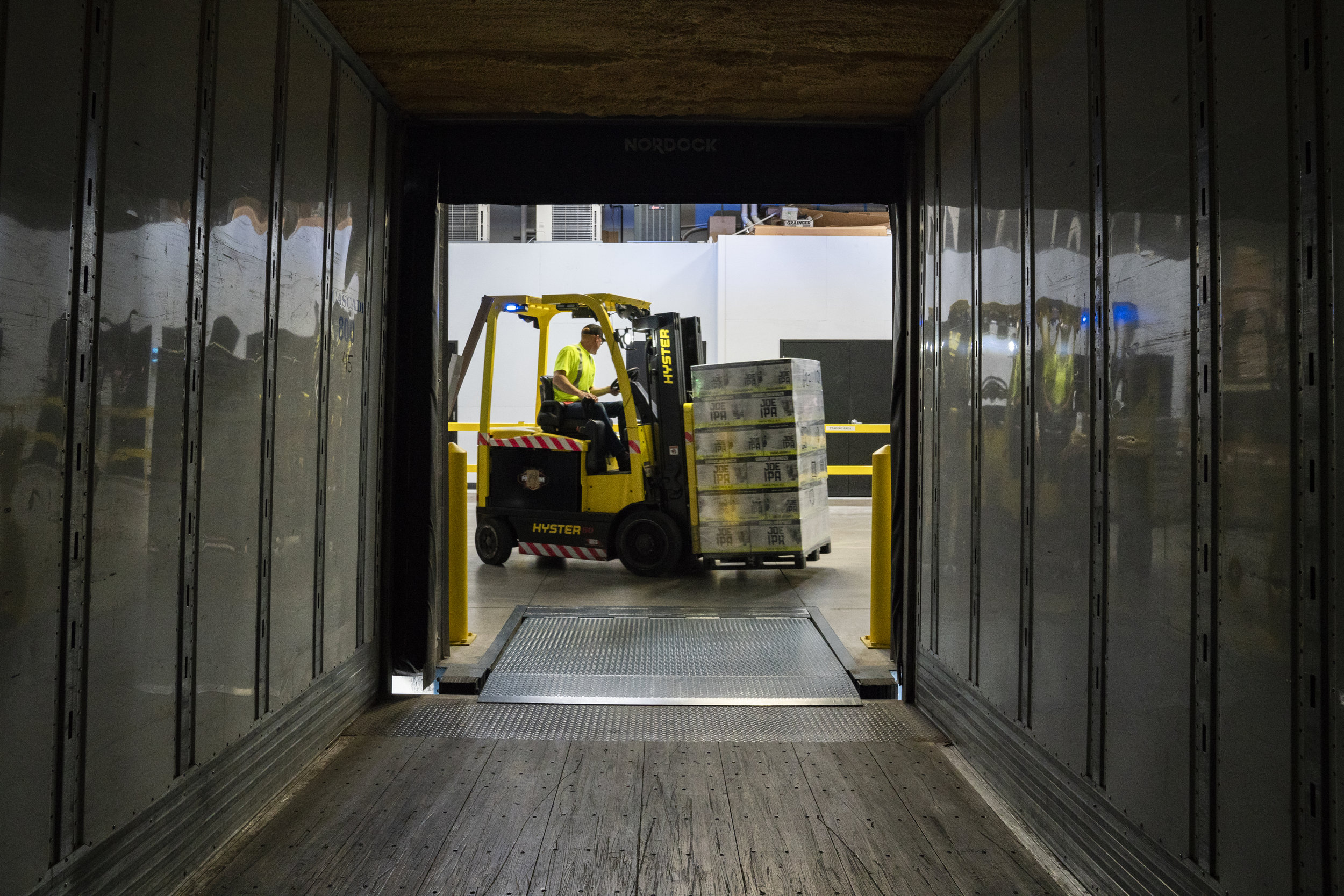 Logistics - Our knowledge of warehouse energy saving has been vital for our key logistics and retail clients.