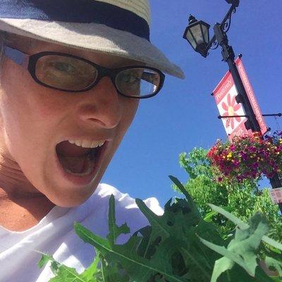 Wild lettuce calms us down! Eat some, yum!