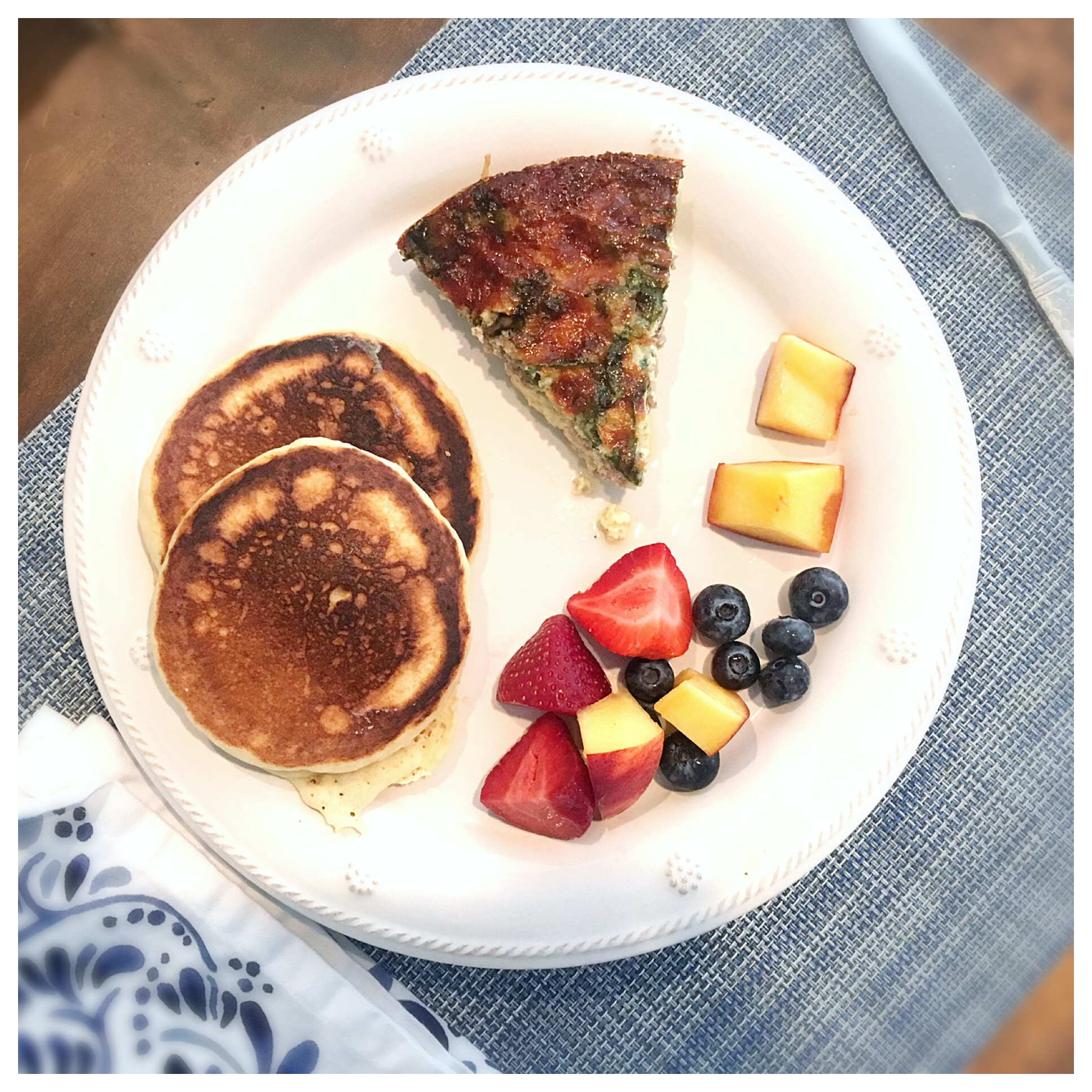 Quiche_fruit_pancakes.JPG