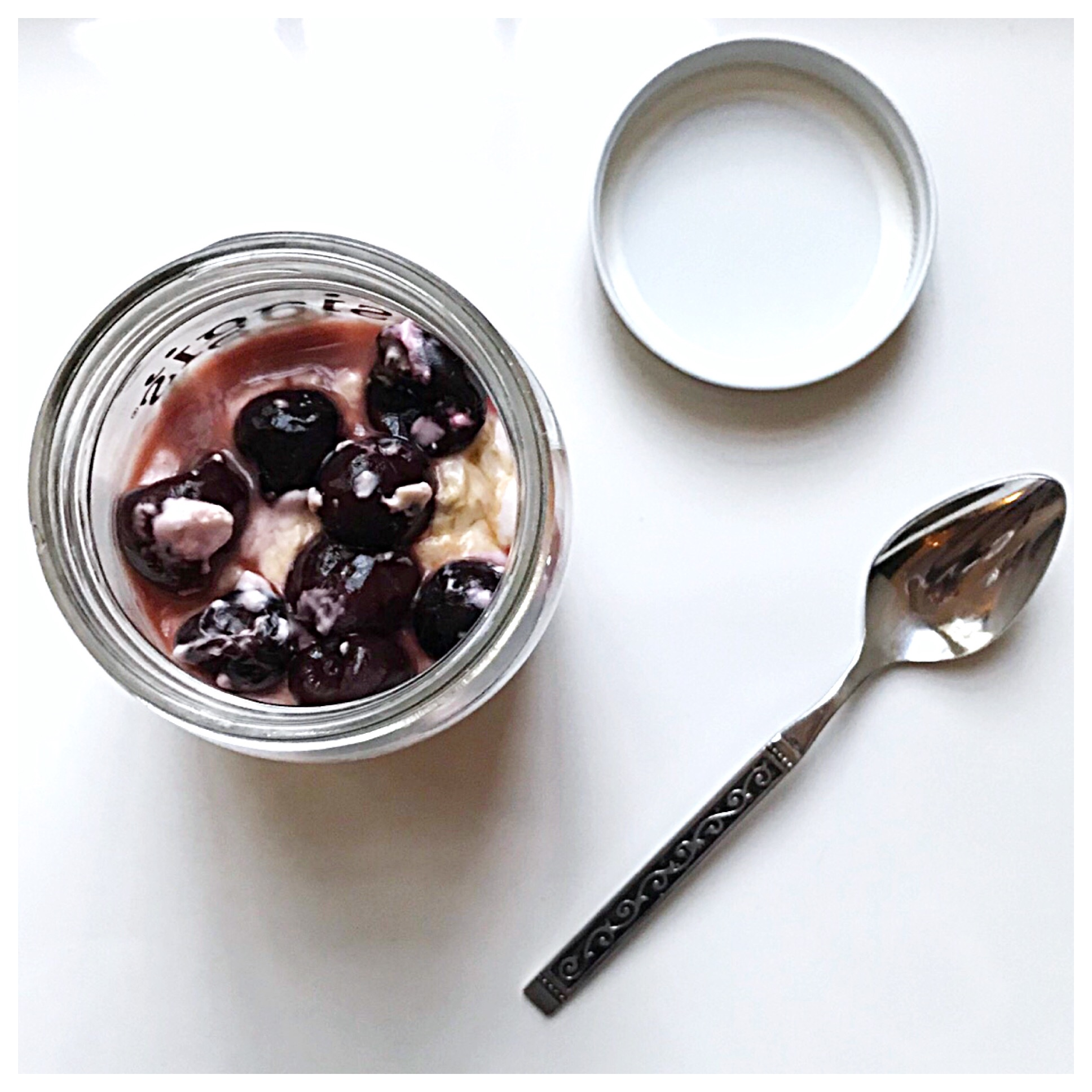 9.Cherry Vanilla Overnight Oats -