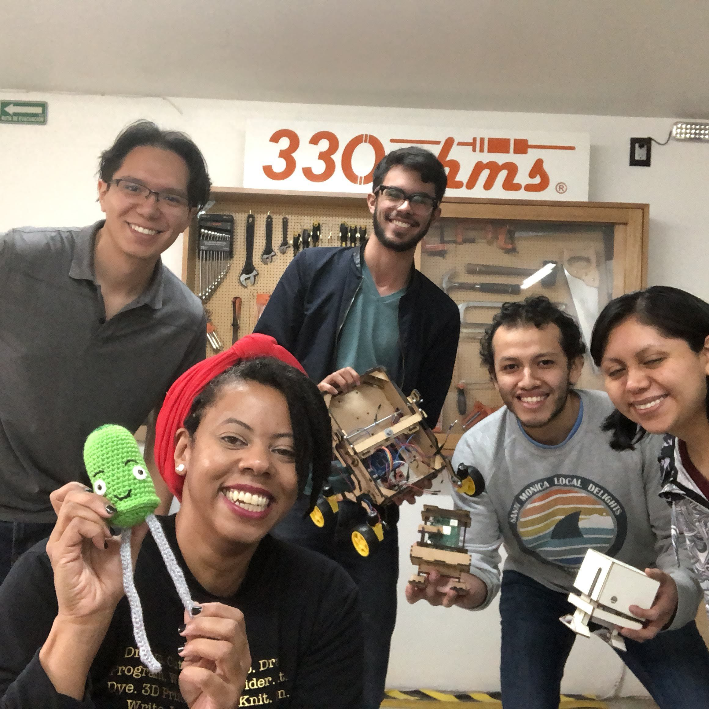 Makerspace Tour: 330 ohms, Mexico City