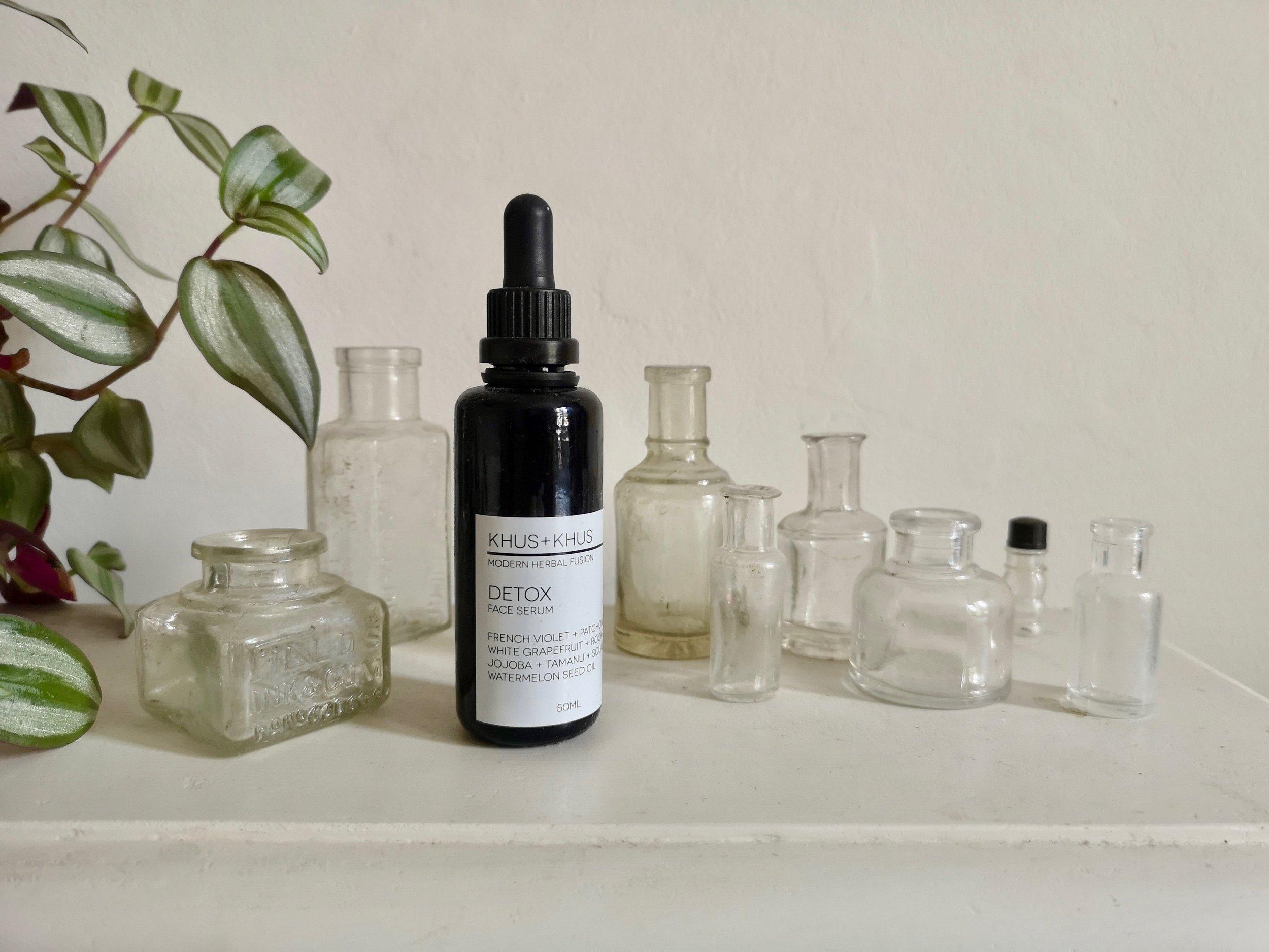 Khus + Khus detox serum