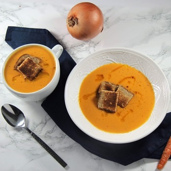 Potage de Crecy--this light, healthful soup is topped with easy toast croutons | protopantry.com