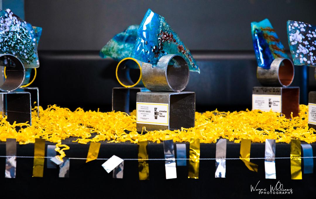 Awards designed/sponsored by  Maria Mc Clafferty - Art Glass    Photo by  Wayne Williams