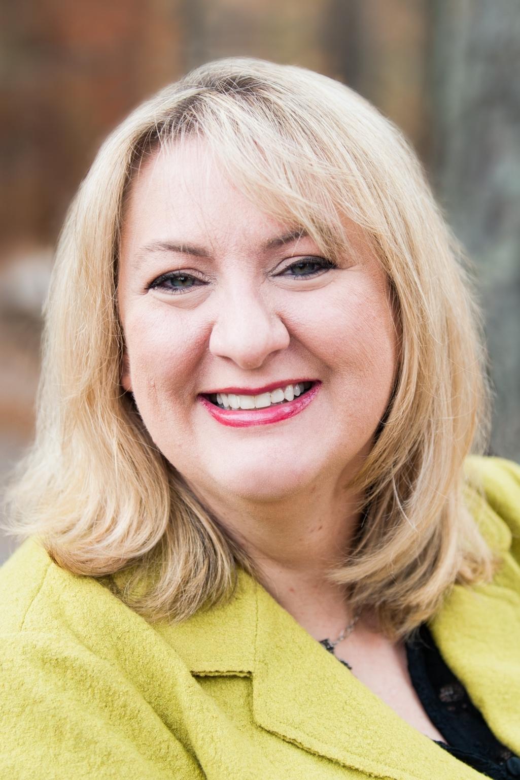 sylvie lansdowne - Wedding Coordinator and Administrative Assistant