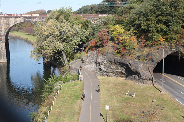 See Philly Run Girard Bridge