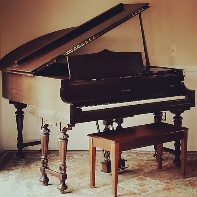 I am always on the lookout for cheap instruments, and this beauty is mine now! Did you know that music therapists must be proficient on piano, guitar, voice and percussion? . #musictherapy #musictherapist #grandpiano #ivories #timetopractice