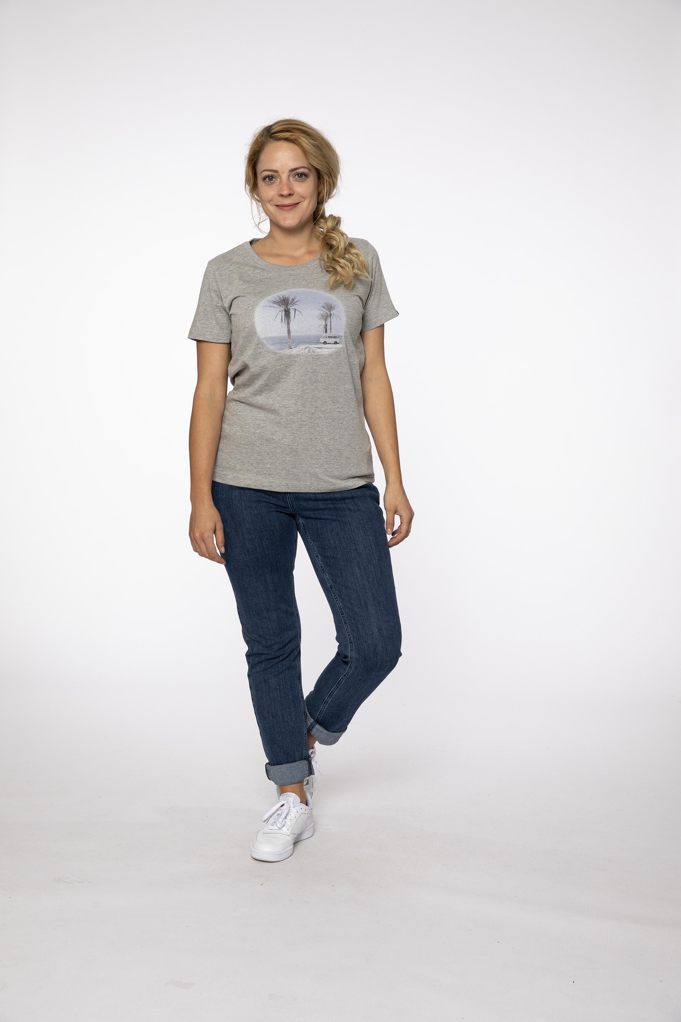 t-shirt:  INMYMIND   pants:  BLUEMOON