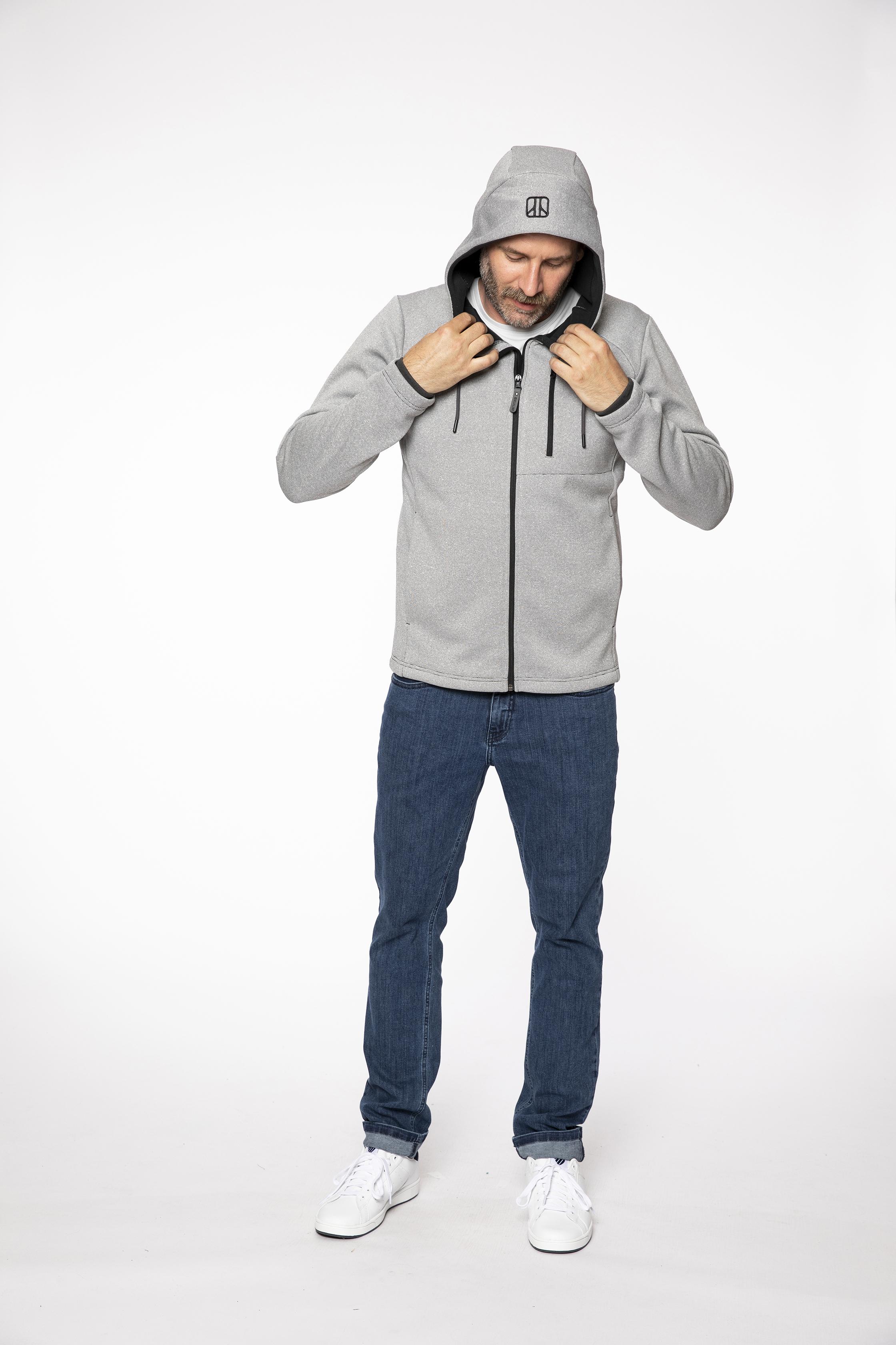 fleece jacket:  STARGAZER   denim pants:  COMPAGNON
