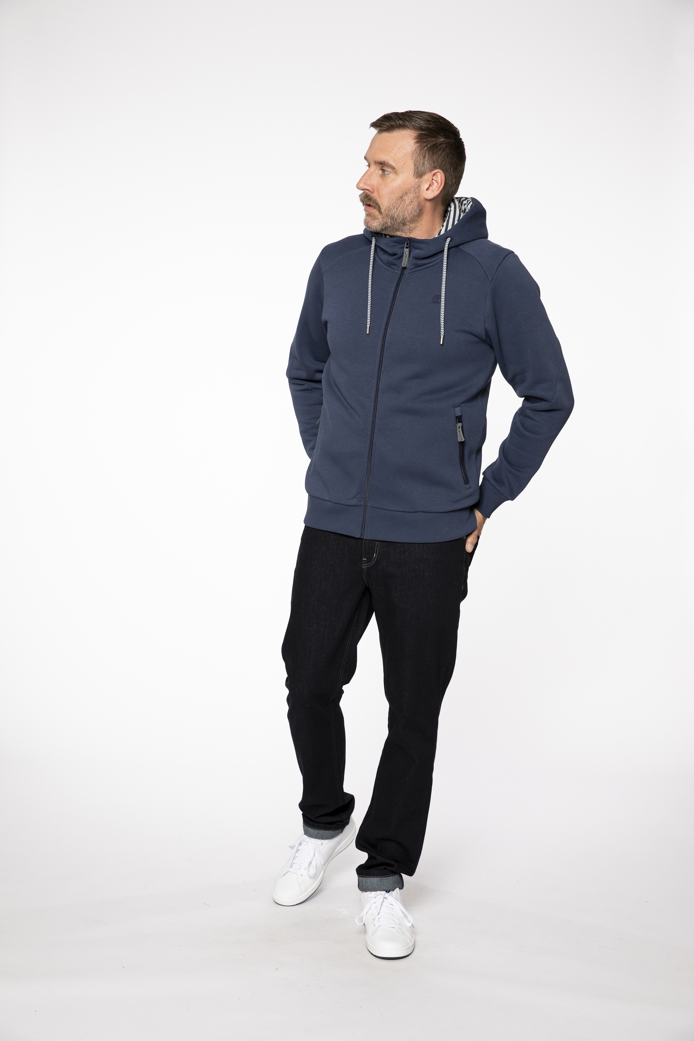 sweat jacket:  LIGHTAFIRE   denim pants:  COMPAGNON