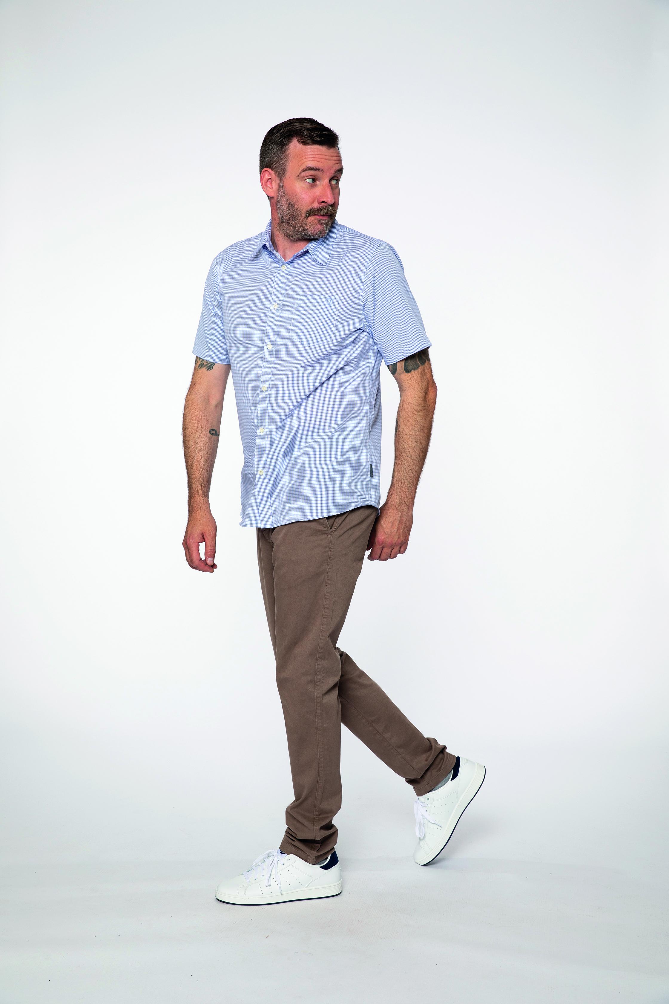 woven shirt:  ESTHETE   chino pants:  INTHEMOOD