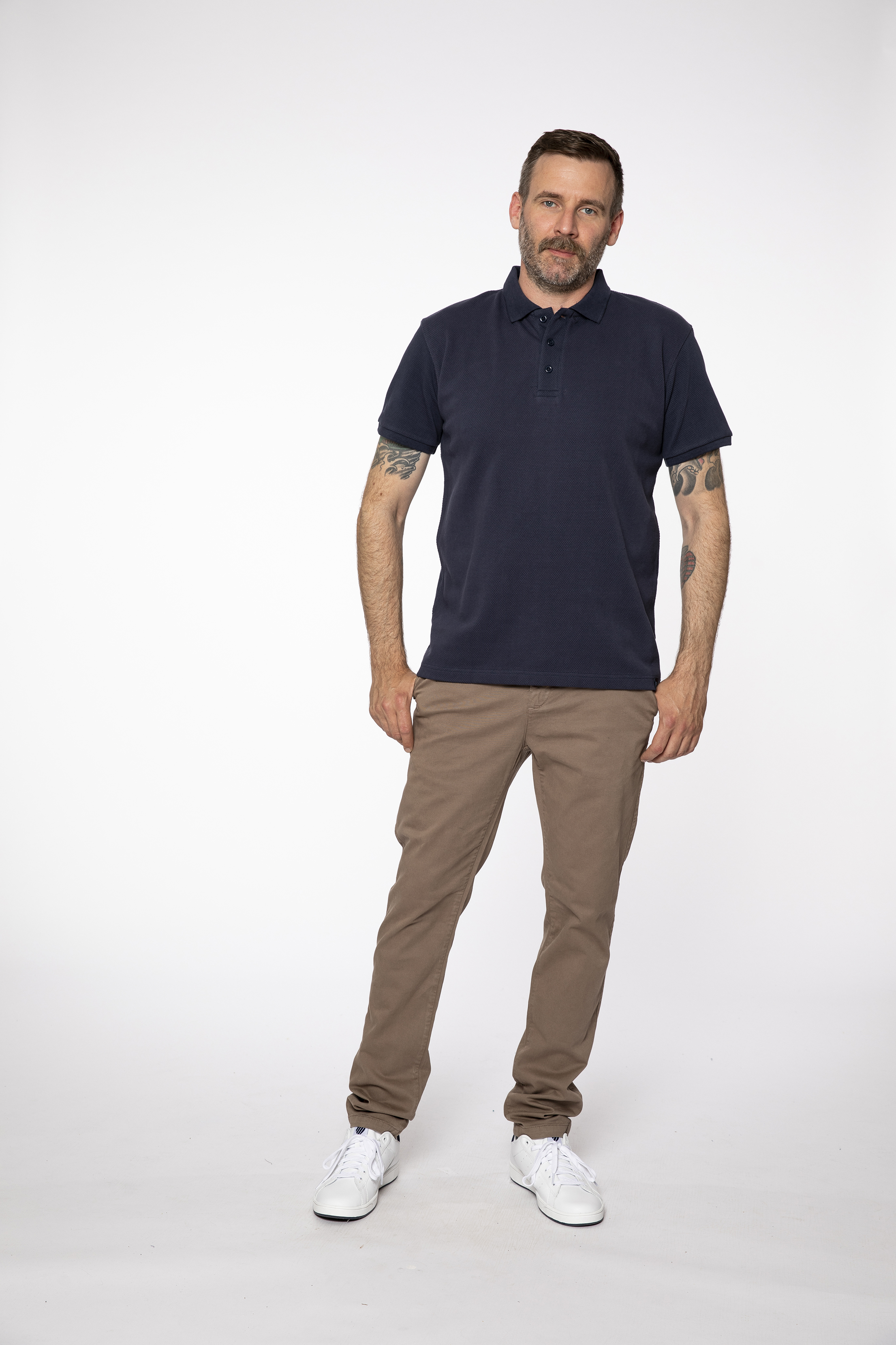 polo shirt:  DAILYNEWS   chino pants:  INTHEMOOD