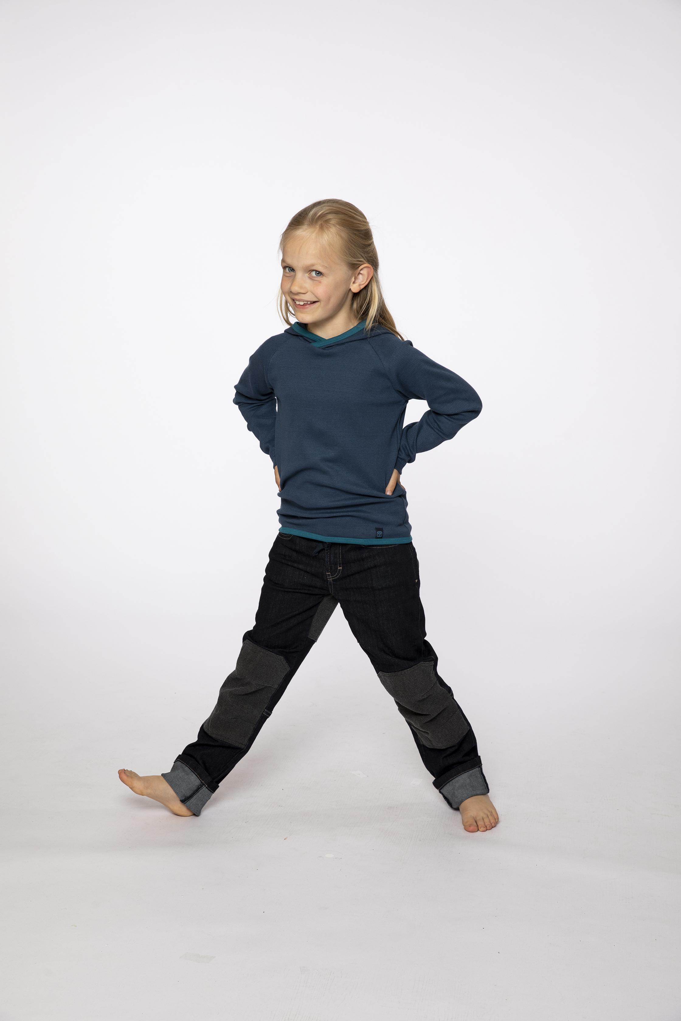 longsleeve:  JUMPHOUSE   denim pants:  BESTBOY