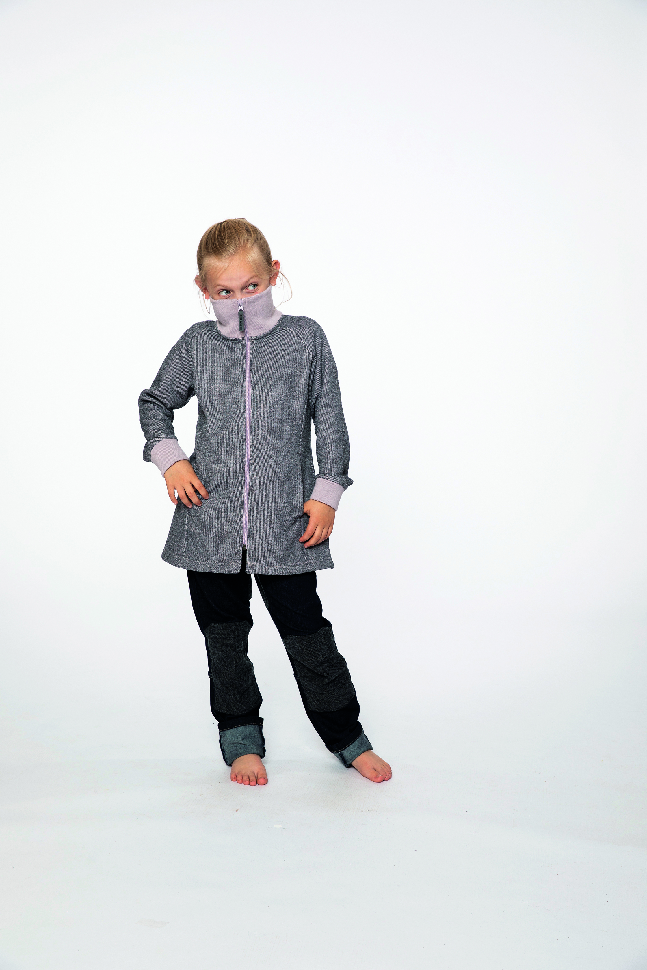 fleece coat:  ADRIANA   denim pants:  BESTBOY