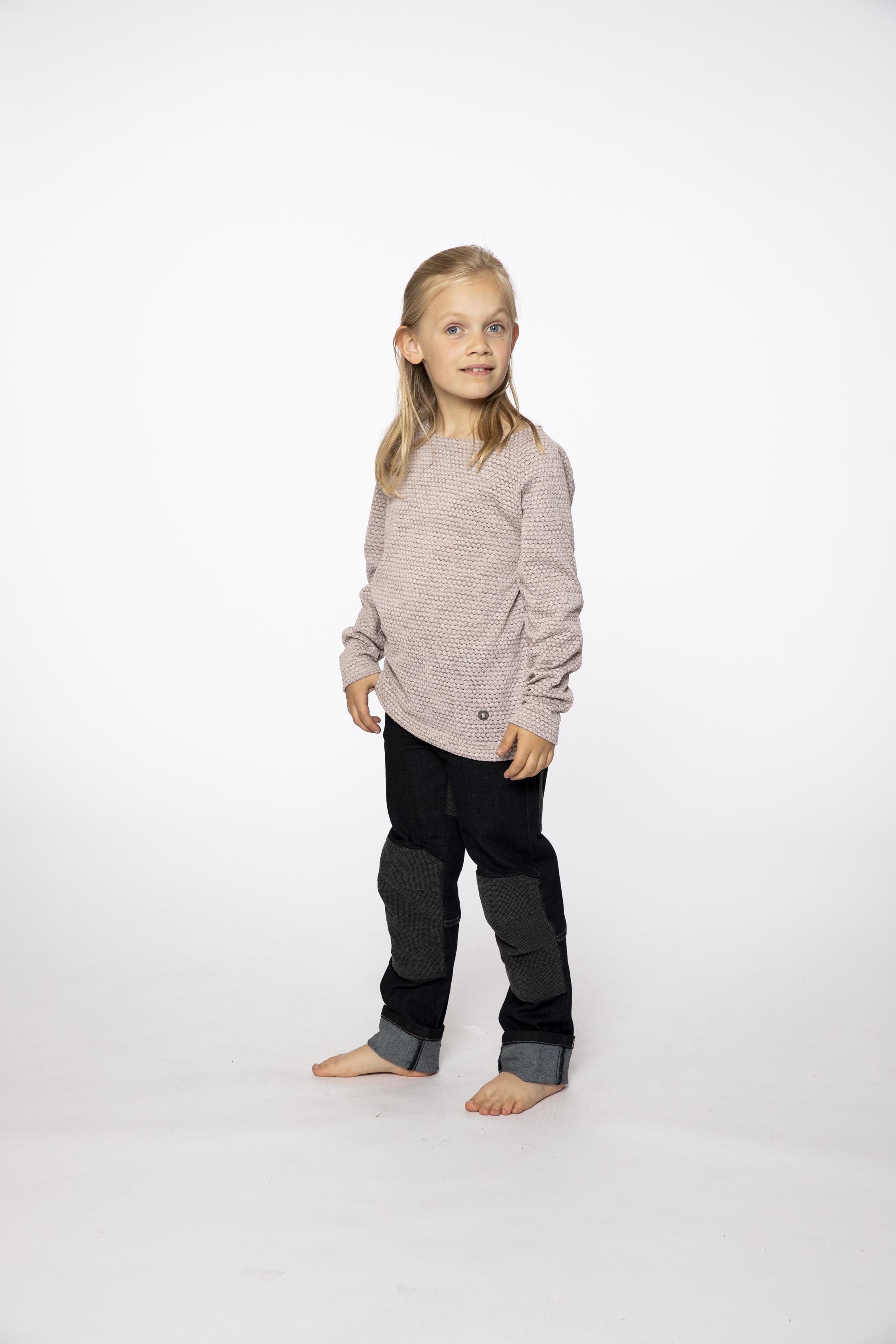fleece pullover:  HIGHLIFE   denim pants:  BESTBOY