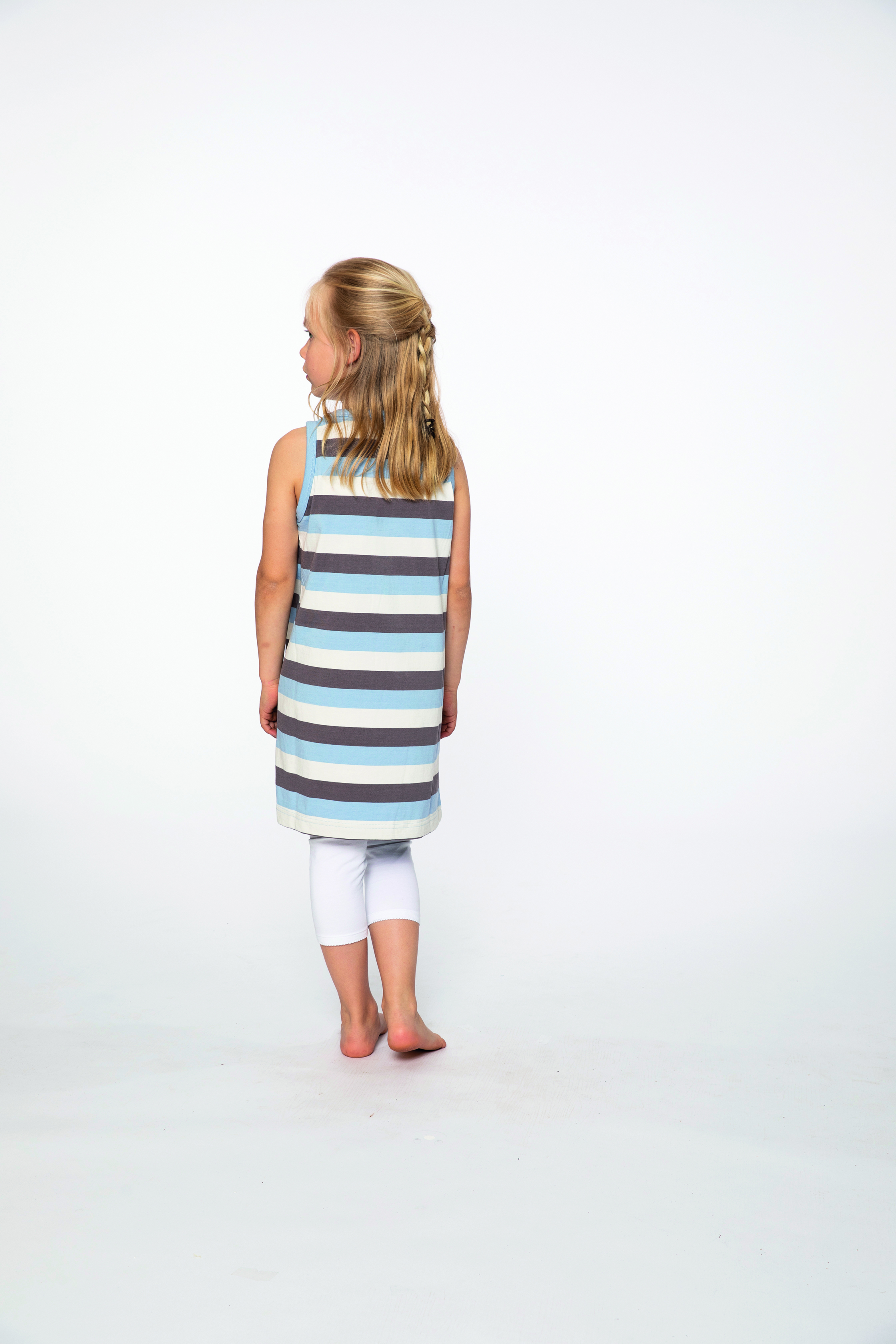 dress:  CURLED