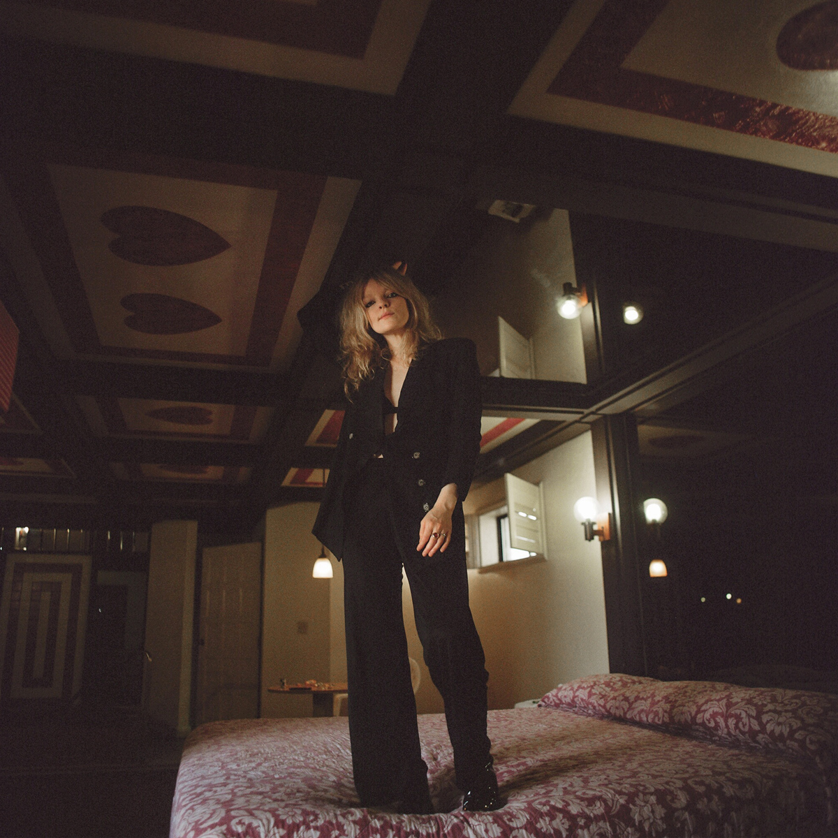 Jessica Pratt - Quiet Signs - The New Album - Includes 'This Time Around', 'Poly Blue' and 'Aeroplane'