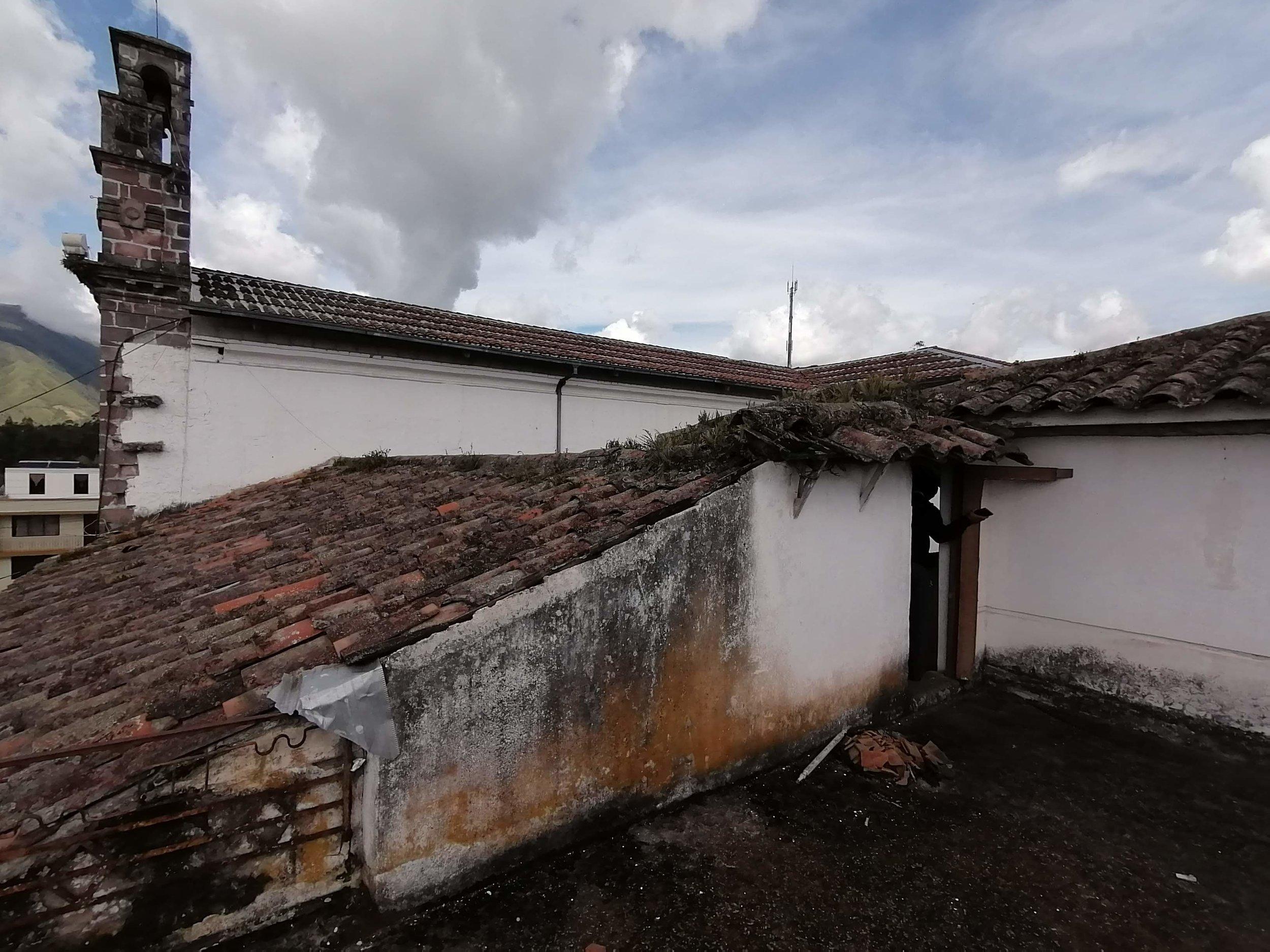 Roof needing repair.jpg