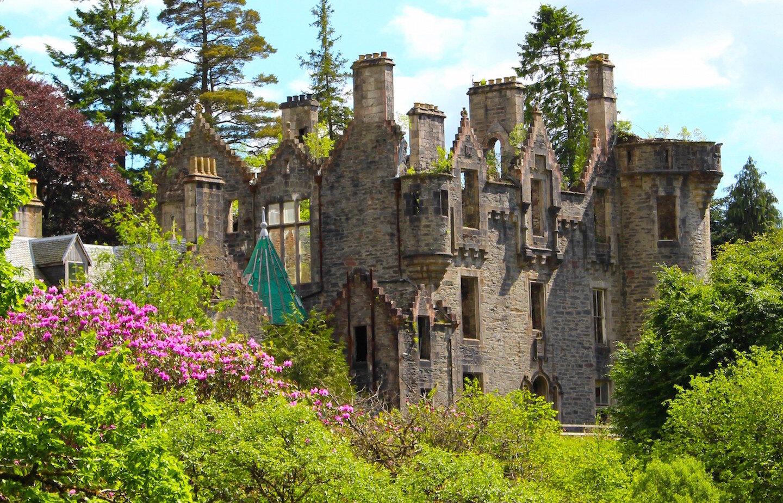 Dunans castle site CDudk2017 cropped.jpg