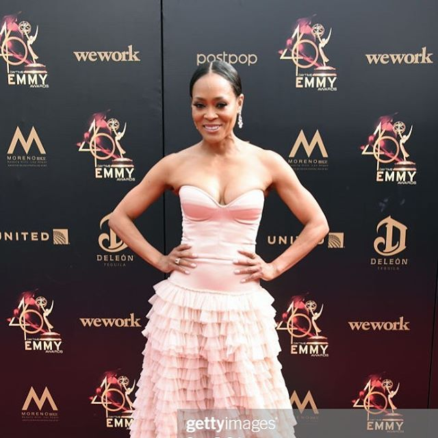 The beautiful @robingivens for #TheDaytimeEmmys2019.  Glam Team:  Makeup: @brittanyingrambeauty  Hair: @hairjunkierandy  Wardrobe: @jyotisha_  Makeup look: @huenoir  #celebritymakeupartist #brittanyingrambeauty #robingivens