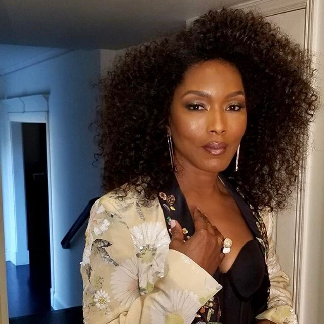 Just a soft reminder that dreams to come true. #tbt  Y'all don't understand how I dreamed of doing Angela Bassett's makeup. I still pinch myself a little.  For any makeup artist out there that has dreams bigger than your current situation, it can and will happen. Keep believing, keep speaking it, keep praying, and more than anything KEEP GOING.  Hair Gawd: @hairjunkierandy  Makeup: @brittanyingrambeauty  Wardrobe: @jlynnstyle18  #tbt #celebritymakeupartist #prayerworks #brittanyingrambeauty #angelabassett