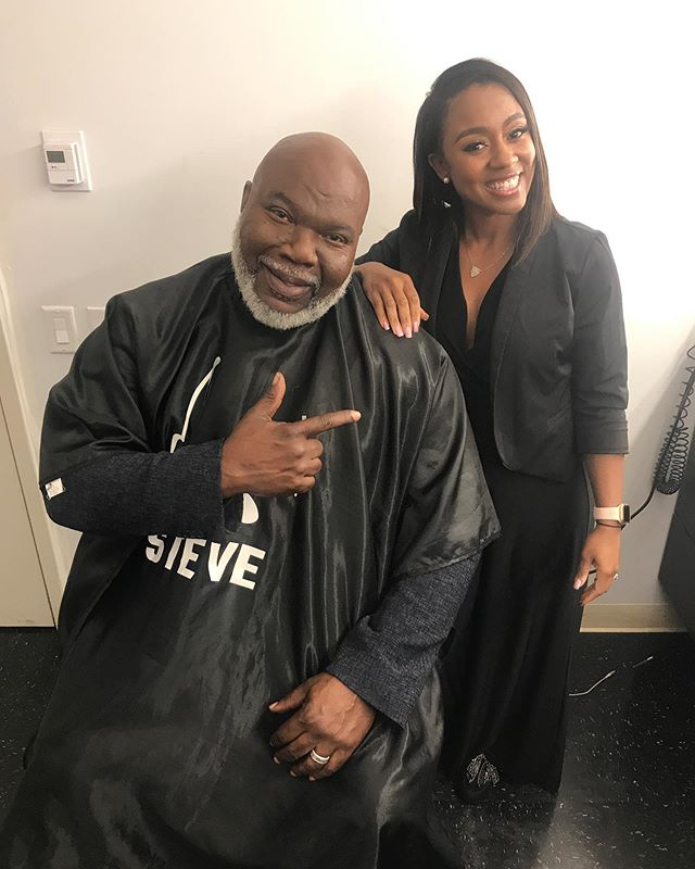 It was such a pleasure grooming @bishopjakes for our last show day at @stevetvshow. This was my second time grooming him for the show and I was extremely honored each time. 💛 Thank you @bishopjakes for your words of wisdom, guidance, and obedience to the call on your life. You have NO IDEA how you've helped me over the years. 🧡 Make sure you all pick a copy of his new book #Crushing. 💙 #brittanyingrambeauty #BishopTDJakes #PottersHouseDallas #SteveTVShow #LAMUA #LosAngelesMakeupArtisit #LAMakeupArtist #Blessed