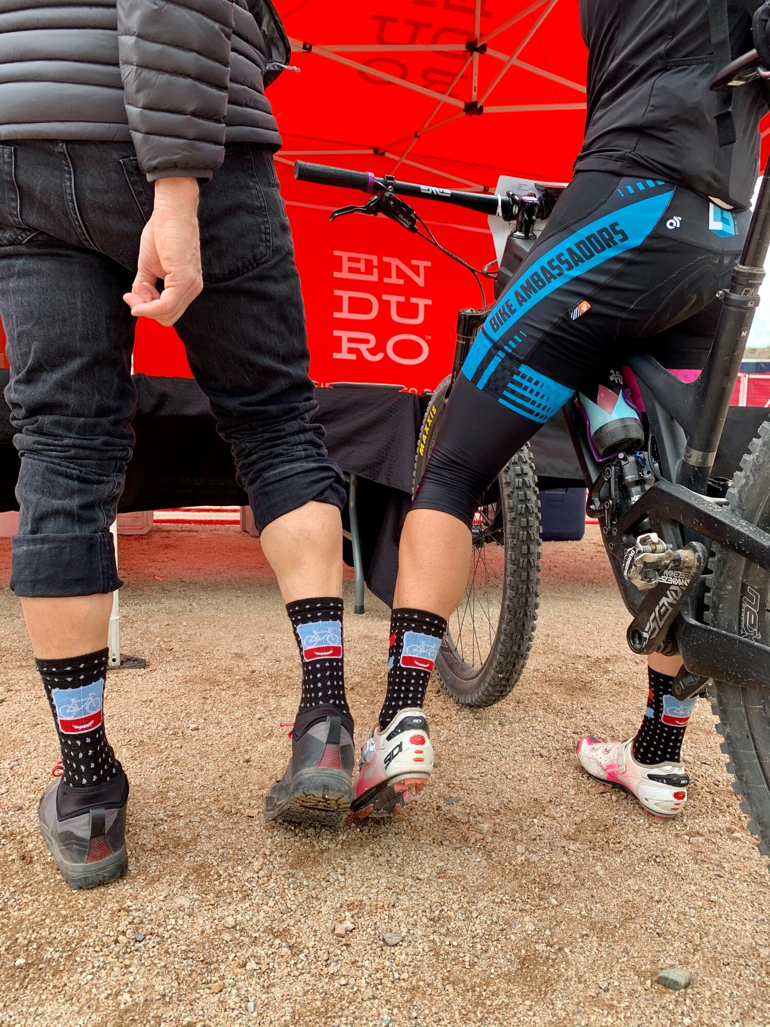 Love it when a fellow PeopleForBikes fan has the same socks ;) 📷 cred: Julie Lyon