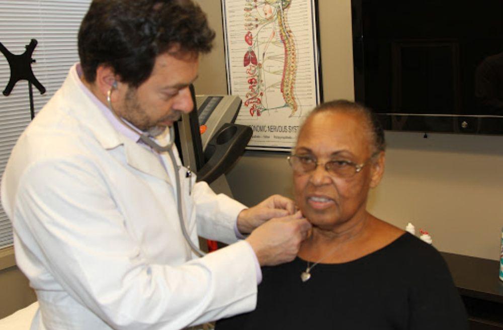 Chiropractor Doctor Jeffrey James DC DACNB Patient Checkup 2.jpg