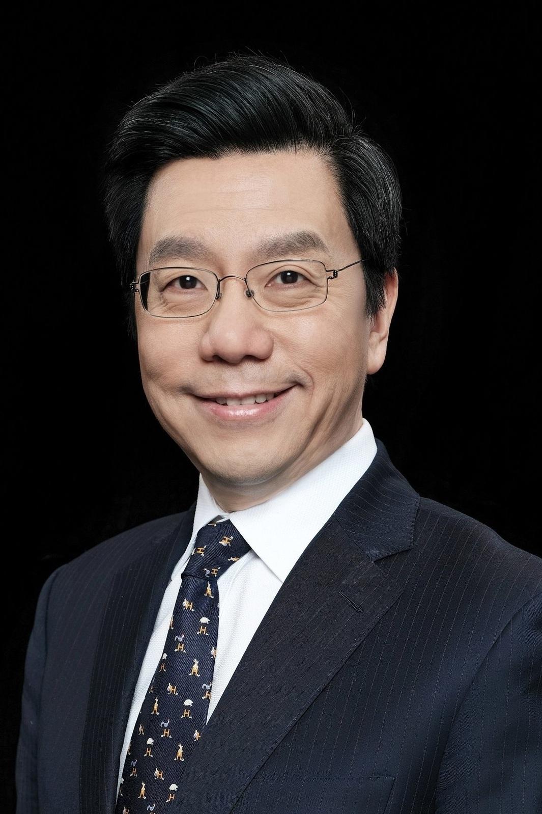 DR. KAI-FU LEE  Chairman, CEO Sinovation Ventures