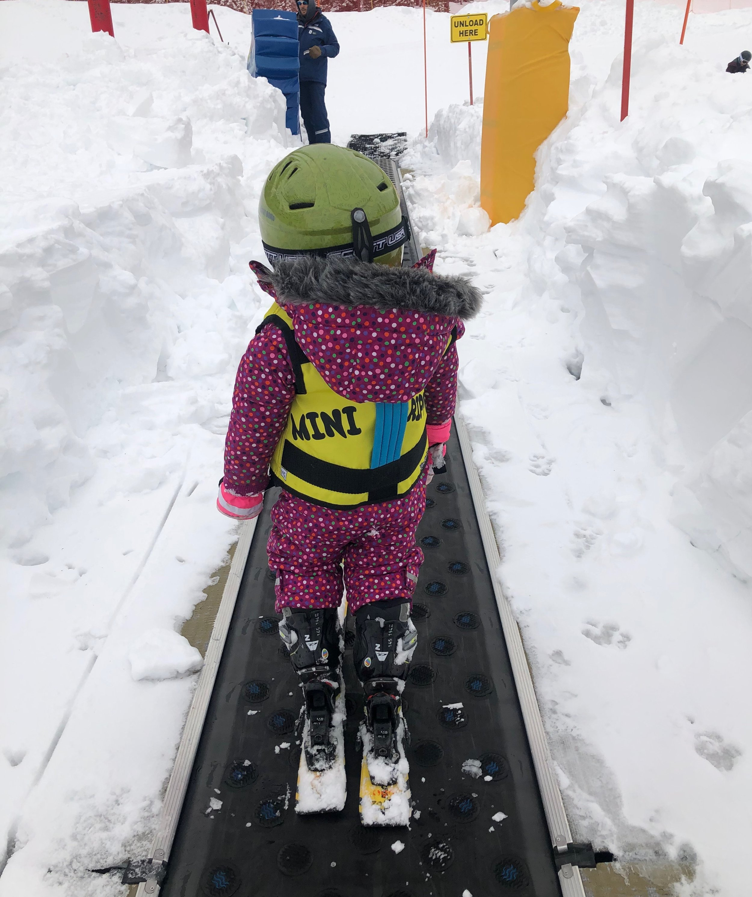 Date 9 Squeezing it in L ski.jpg
