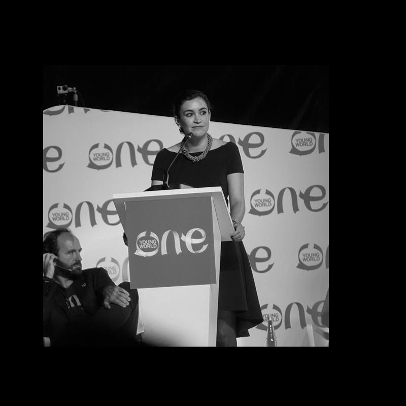 Ana Cristina Hidalgo - Directora Ejecutiva de LAB XXIEmprendedora ecuatoriana apasionada por la innovación social y la educación como motores del cambio en América Latina. En 2010 se graduó de la Universidad de Virginia con una licenciatura en Relaciones Internacionales y Antropología y en 2013 obtuvo su Ed.M. en International Education Policy de la Universidad de Harvard. Cuenta con experiencia laboral de alto nivel: trabajó en calidad de Directora General de Relaciones Internacionales del Municipio de Quito y Asesora de políticas públicas en la Oficina Ejecutiva de Educación de Massachusetts, USA. Su experiencia incluye negociación de fondos con organismos internacionales de cooperación y organizaciones multilaterales, trabajo diplomático, relaciones públicas, análisis de política educativa y coordinación de eventos. Desde hace 4 años lidera LAB XXI, empresa social con la misión de transformar la educación del Ecuador, y ha tenido la oportunidad de influenciar la vida de más de 9,000 personas.