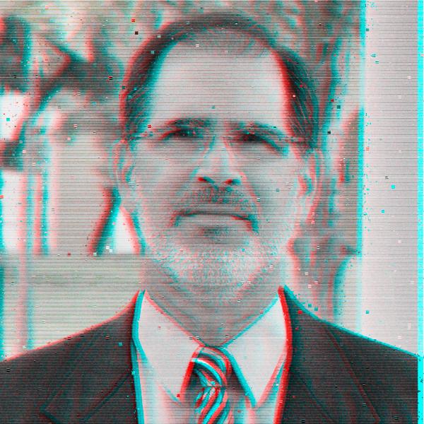 Ernesto Noboa - Socio de Rokk3r, responsable de co-construir con éxito la cartera global de empresas exponenciales de Rokk3r.Escritor. En 2012, publicó el libro de innovación El Modelo 206. En su carrera literaria ha publicado seis libros de poesía. Tiene un doctorado en Gestión de IESE Business School, un MBA de MIT Sloan School of Management y un BS en Ingeniería Mecánica de la Universidad de Dayton.