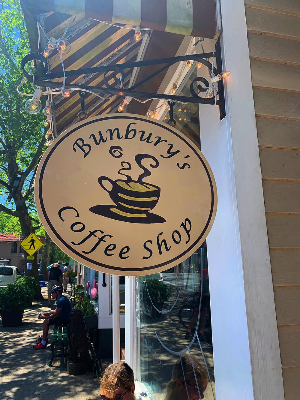 walking-in-piermont-ny-bunbury's-coffee.jpg