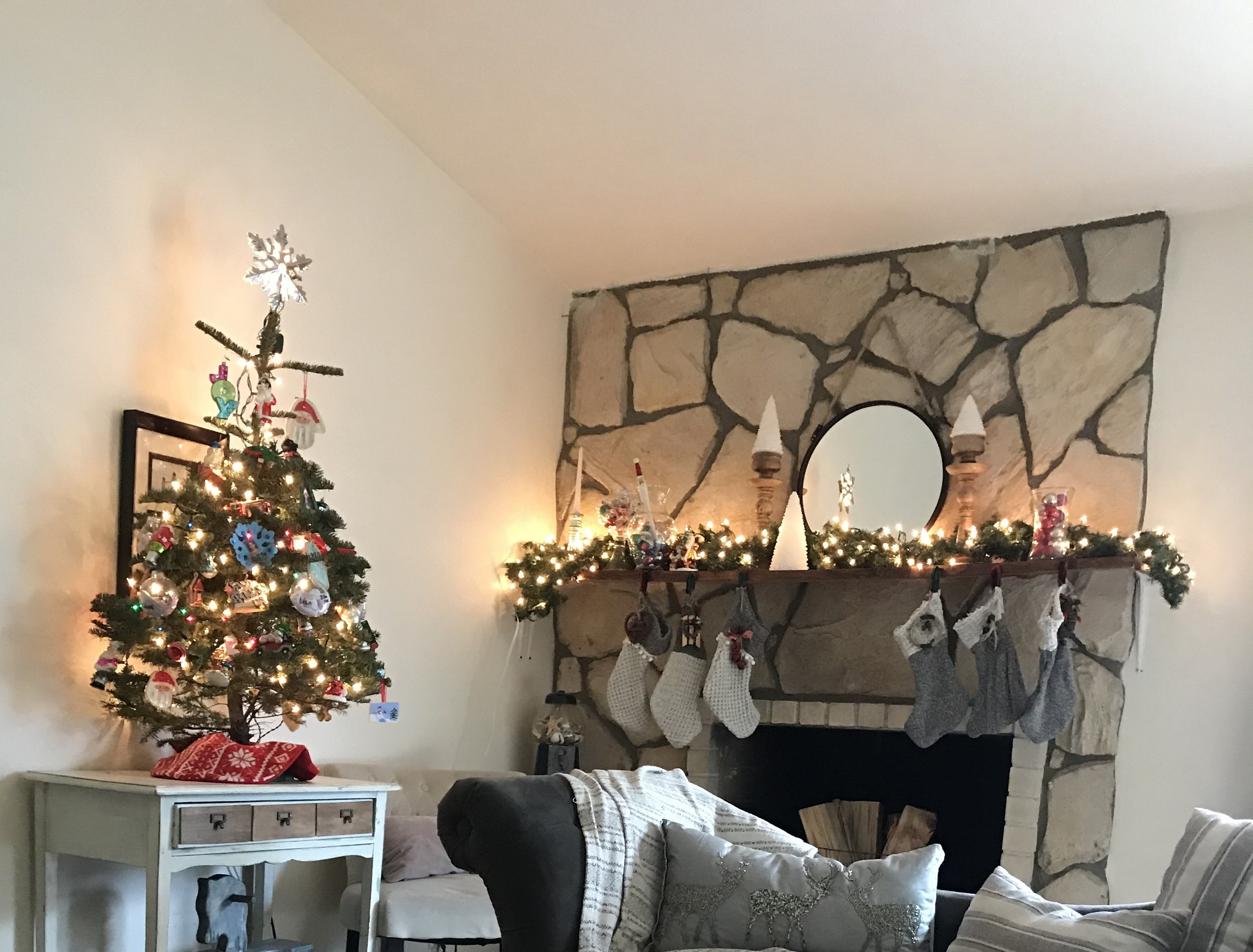 Magnificent Mantle - I freakin' love this mantle. You see what I mean about all the rock…its sooo much but the mantle breaks it up visually and it is perfect for hanging decorations. I love that I didn't need to drill in to the rocks, the brackets are only on the walls.