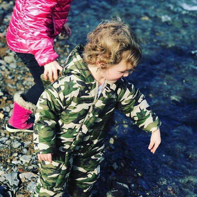 Throwing rocks in water...one of the greatest joys of life.  #girlswearcamotoo #kerplunk #bigsplash #adventure #fridgid #crapitscold #freefun #waterfallview #ojai #travellingcircus #longweekend #momliferocks #noonefellinthewater #daytrippin #familytime