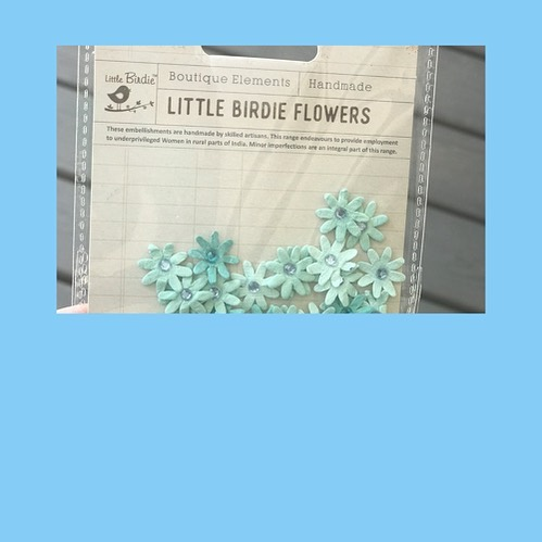 You are getting these sweet handmade flowers in the #backtoschool box! @littlebirdiecrafts empowers women by creating safe employment!! 🎉 stay here to see how you will use these flowers🌸🌸🌸🌸🌸🌸🌸🌸🌸🌸🌸🌸🌸 #handmade #fairtrade #empowerwomen #craftforacause #subscriptionbox