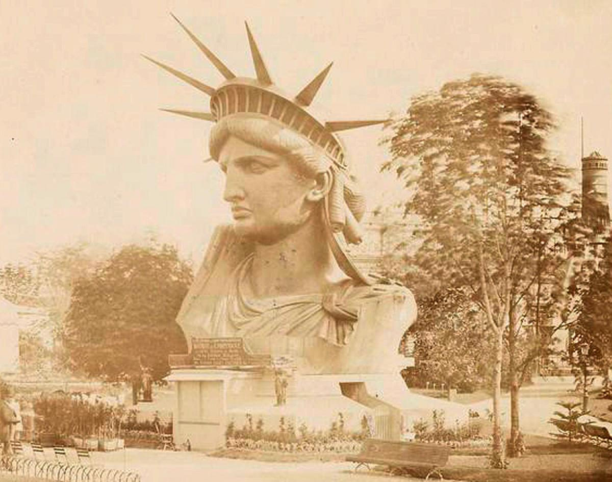 statue-liberty-construction.jpg