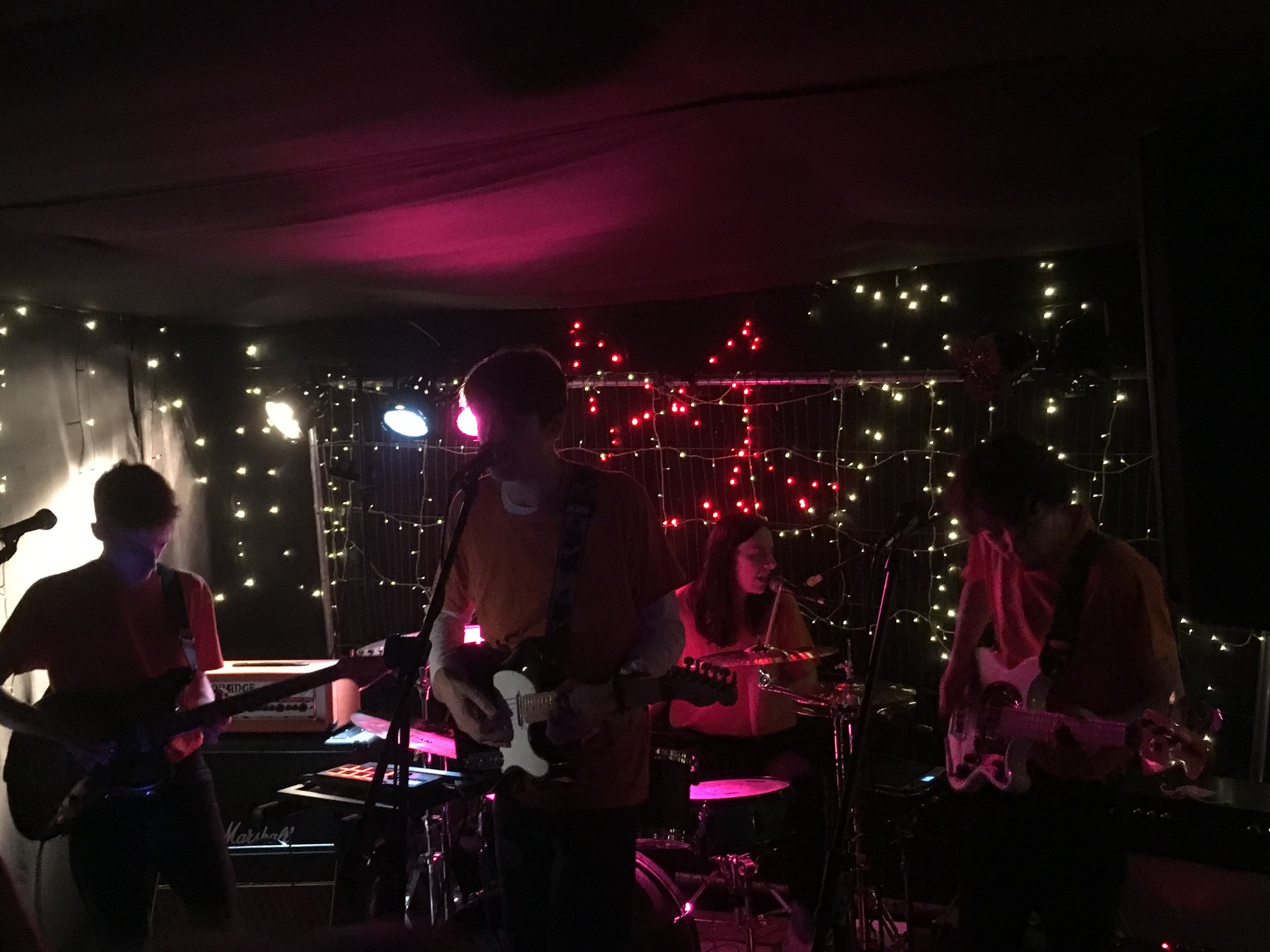 THE COURIERGIG REVIEW:FEVER DAYS - THE ROOKERY, 8TH NOVEMBER 2018 -
