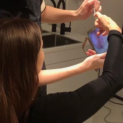 @cecileshannon voulait changer de forme de 👄 en restant naturel!  Maryna, la dermographe a pu rehausser la forme de ses lèvres grâce à la micro pigmentation! On est resté bouche bée face au résultat! #parissurgery #aeroles #dermopigmentation #chirurgieesthetique #chirurgie #parisbotox #liposuction #breastaugmentation #tummytuck #lipo #surgery #rhinoplasty #bbl #fillers #aesthetics #skincare #mommymakeover #beforeandafter #breastlift #cirugiaplastica #brazilianbuttlift #liposculpture #fitness #cosmeticsurge