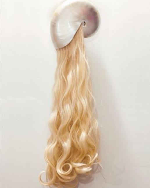 Vos cheveux ne repoussent pas aussi bien que vous le voudriez? Vous les perdez, ils sont cassants, ternes?  La mésothérapie des cheveux  @parisaestheticsurgery est faite pour vous! Ce sont des micros- injections indolore pour un résultat hyper efficace! Prenez vite rendez vous pour une chevelure de rêve ! #hair #hairbotox
