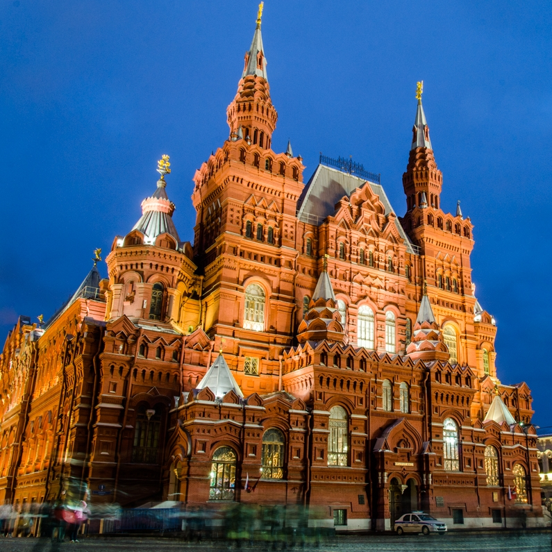 nadine-burzler-moscow-russia-red-square-at-night-1-of-6.jpg