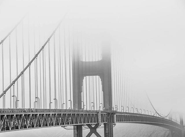 Golden Gate Bridge partly hidden by the fog.. A dream to photograph 😍  #SanFrancisco #goldengatebridge