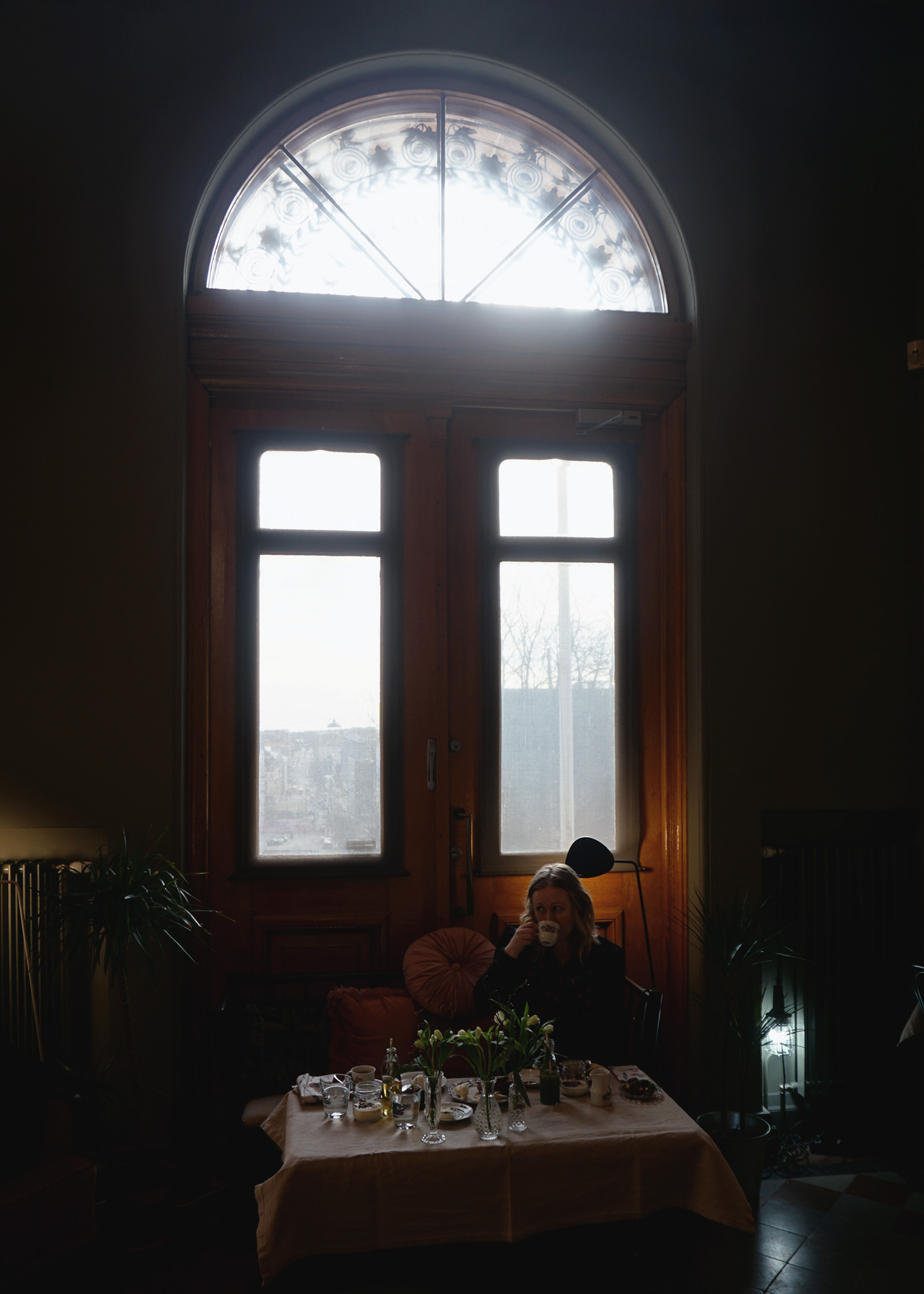 ek-cafe-victor-aamiainen-ikkuna.jpg