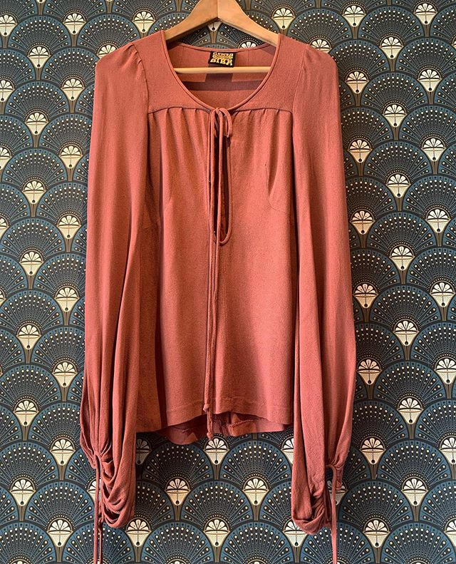 Drumroll!!!! The Biba collection has arrived. First up this moss crepe beauty. Neck tie and hook and eyes down the opening. Balloon sleeve with ties at wrist. A work of art. #Biba1965-68 #KensingtonChurchStreetboutique #Biba #1960'sBiba #vintagestyle #sustainablefashion #retrouvevintage @broadwaymarket